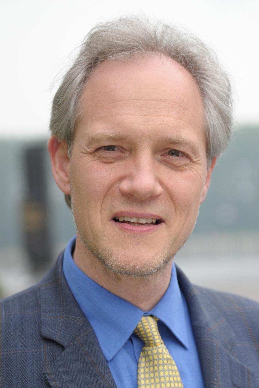Dr. Wolfgang Hennig